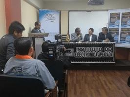 Inauguración diplomado en comunicaciones satelitales